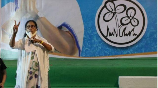 তৃতীয়বারের মতো পশ্চিমবঙ্গের মুখ্যমন্ত্রী হচ্ছেন মমতা ব্যানার্জী