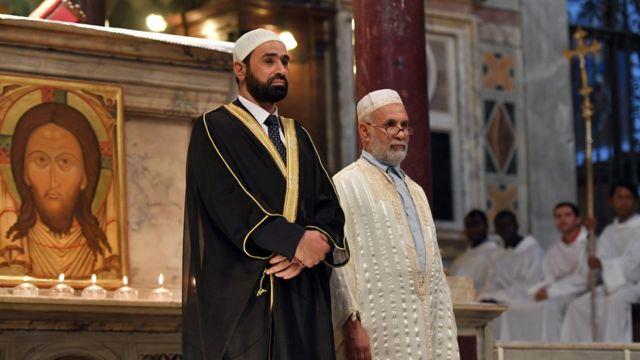 Imam Sami Salem da Imam Mohammed ben Mohammed a cocin Santa Maria a birnin Rome