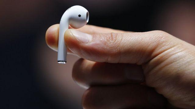 Apple'ın yarın yeni nesil AirPods kulaklıklarını da tanıtması bekleniyor.