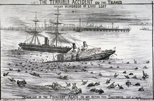 """""""愛麗絲公主號""""剛在倫敦東南特裏普科克角(Tripcock Point)轉彎駛向伍利奇(Woolwich),就與""""百威爾城堡號""""相撞。兩船相撞後,""""愛麗絲公主號""""幾分鐘內迅速下沉。隨著它的尾端從水中升起,乘客紛紛落入骯髒渾濁的水中。"""