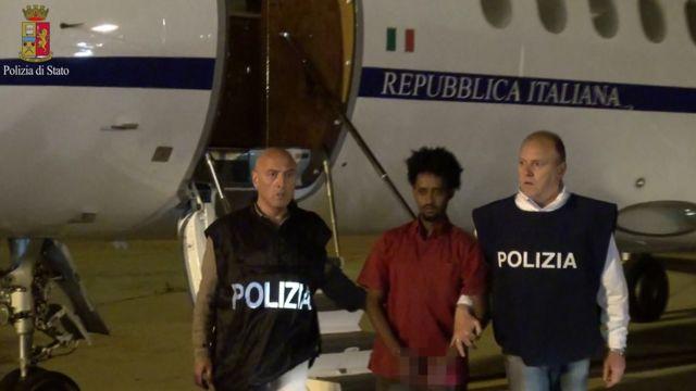 イタリア警察が配布した拘束者の写真(8日)