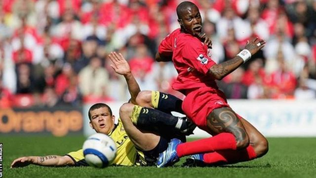 Le footballeur Djibril Cissé a décidé de mettre fin à sa carrière de footballeur pour embrasser le métier de disc-jockey