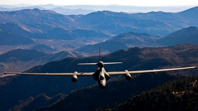 Конструкция U-2 - узкий тонкий корпус и длинные крылья - помогает ему удерживаться в воздухе в верхних слоях атмосферы