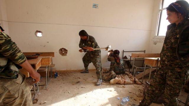 Haseke'deki YPG'lilerin 2015'ten bir fotoğrafı