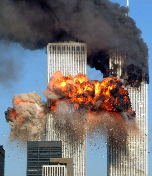 United Airlines 175 choca contra la Torre Sur, WTC