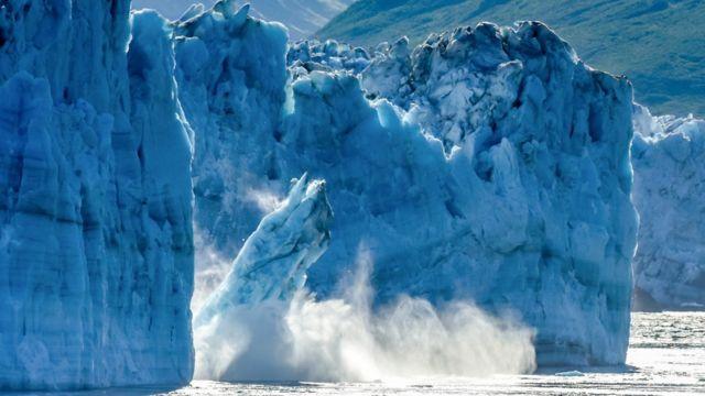 Iceberg derritiéndose