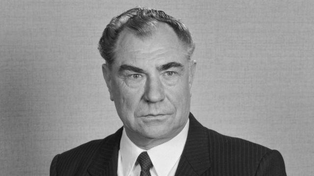 Dmitri Yazov müdafiə naziri vəzifəsinə 1987-ci ildə təyin olundu