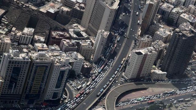 સાઉદી અરેબિયાના રસ્તાનું એરિયલ વ્યૂ