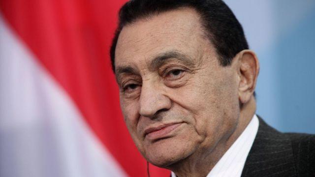 مبارك يقول إنه ملتزم بمبدأ عدم التفريط في أرض مصر