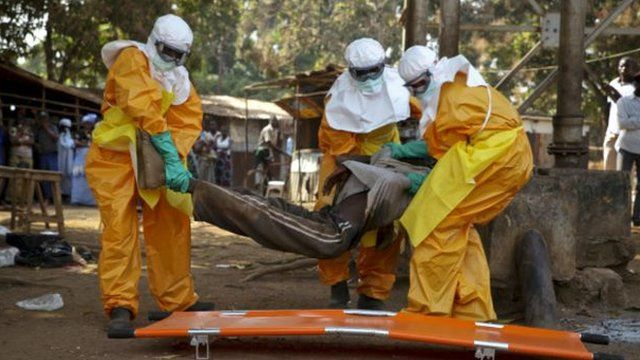 Abaganga bariko barafasha uwanduye iyo ngwara ya Ebola