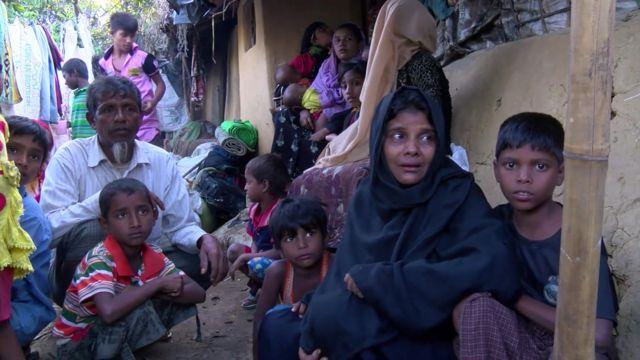UNHCRのマキシック所長はミャンマー軍が「男たちを殺し、子どもたちを虐殺し、女性に暴行している」と語った