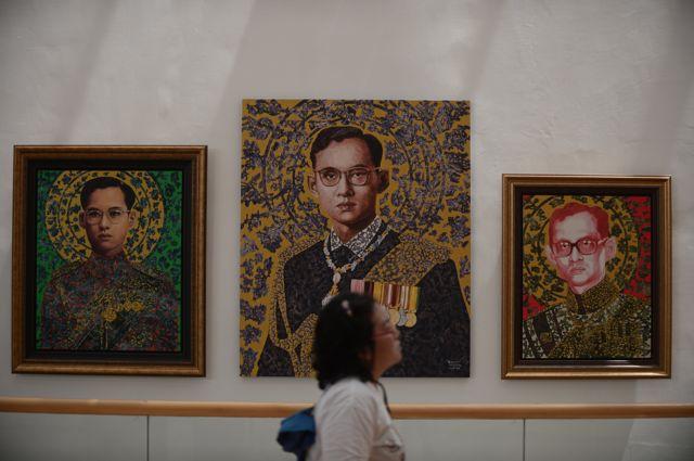 ผลงานศิลปะหลากหลายรูปแบบใน ในงานนิทรรศการ พระราชาในดวงใจ