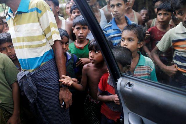 Warga sipil di desa U Shey Kya -mereka selalu dalam posisi yang tersudut dalam konflik di kawasan Rakhine yang mayoritasnya Muslim ini.