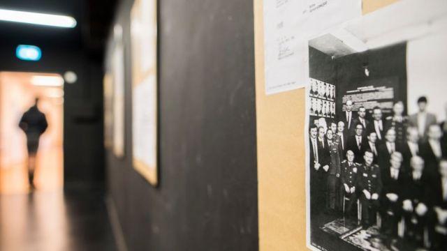 Фотографія на стіні