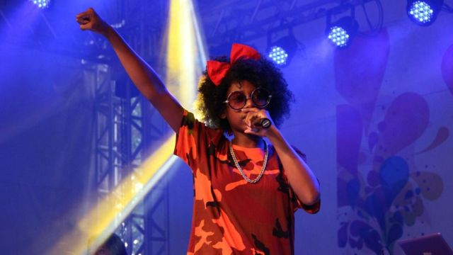 MC Soffia em show