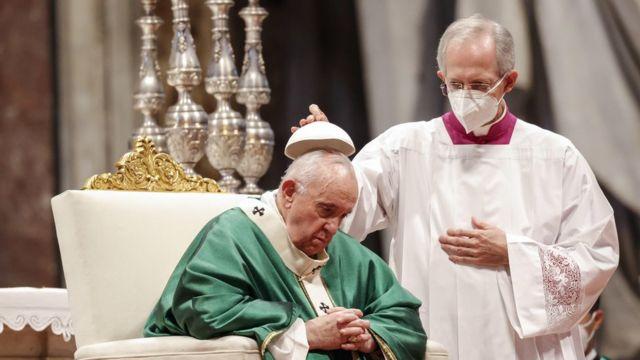 El papa Francisco en la Basílica de San Pedro para la Santa Misa del domingo 10 de octubre de 2021