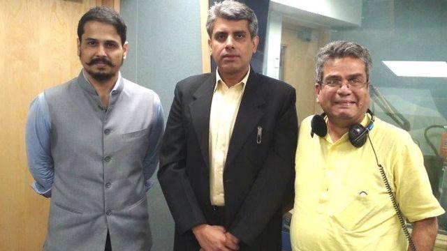 रेहान फ़ज़ल के साथ (बाएं से) शिव अरूर, राहुल सिंह