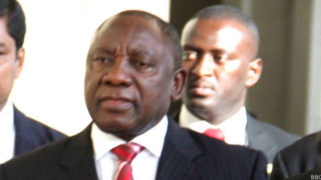 Le Vice-président sud-africain Cyril Ramaphosa dit craindre que les soucis judiciaires du ministre Gordhan affectent la relance de l'économie nationale.