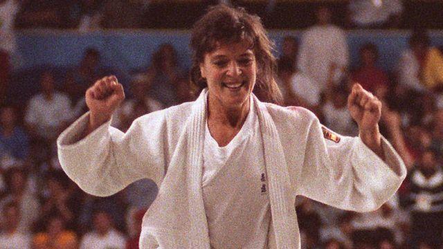 Miriam Blasco celebra su medalla de oro en Barcelona 92.