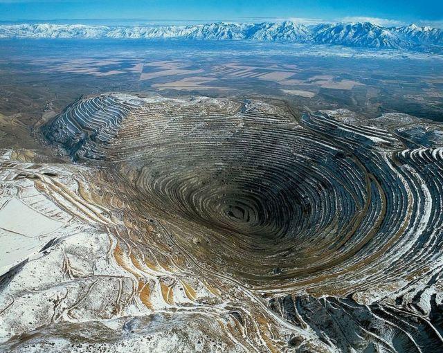 美国犹他州肯尼科特铜矿(Kennecott Copper Mine)像什么?