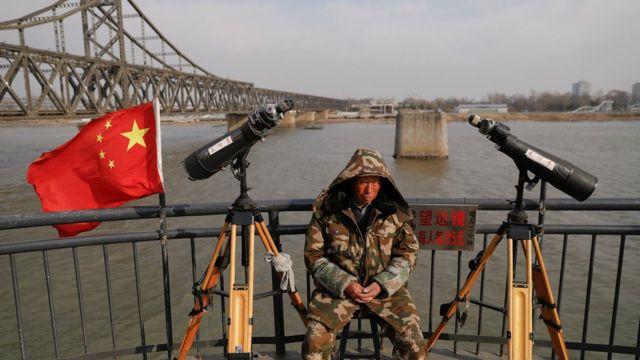 4月1日,中国丹东市靠近朝鲜边境的一个旅游点。
