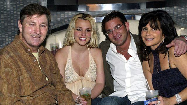 Britney Spears y su padre, Jamie (izquierda)