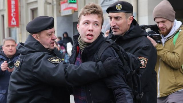 رومن بروتاسویچ پیشتر به خاطر پوشش تظاهرات ضددولتی بازداشت شده بود