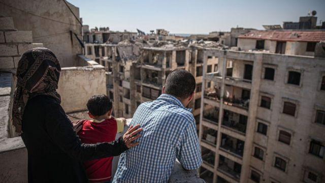 کنترل شهر ادلب و مناطق اطرافیش همچنان در دست مخالفان بشار اسد است. عکس از این شهر در روز ۱۰ شهریور امسال
