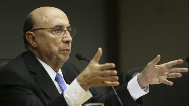 Ministro Henrique Meirelles concede entrevista