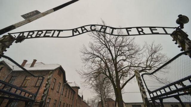 Más de dos millones de personas visitaron el memorial de Auschwitz en 2016.