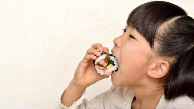 Для жителей многих стран Азии желание поесть шоколада необъяснимо