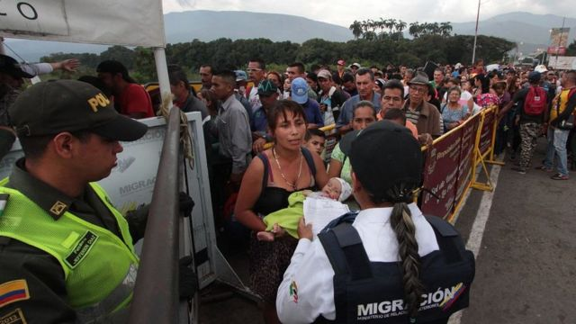 Migrantes en la frontera colombo-venezolana.