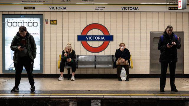 metro istasyonu.