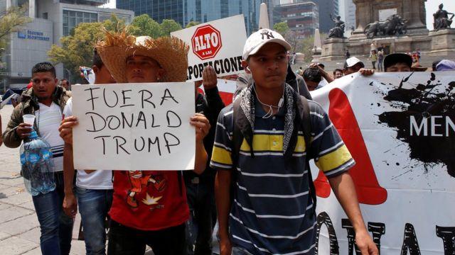 Migrantes centroamericanos protestan en Ciudad de México