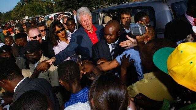 Bill Clinton en Tanzania en 2007