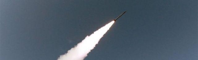 ミサイル発射実験の映像から