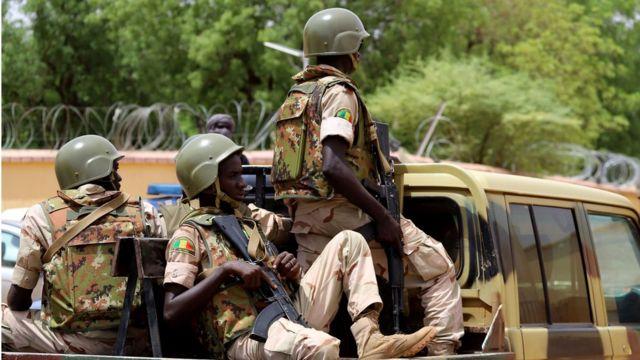 Une patrouille des forces armées maliennes à Gao dans le centre du Mali