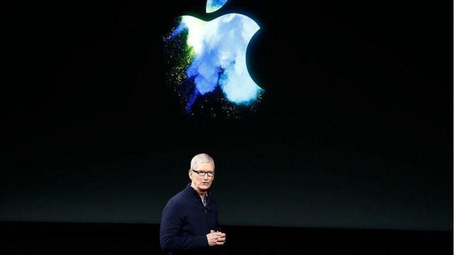 Le patron de la firme Apple, Tim Cook, a vu son salaire évoluer à la baisse
