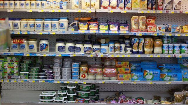 بضائع غذائية في متاجر قطرية
