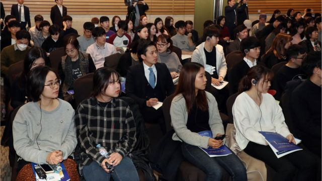 일본 취업설명회 찾은 한국 청년 구직자들