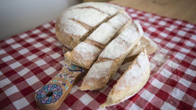 نان در خانه