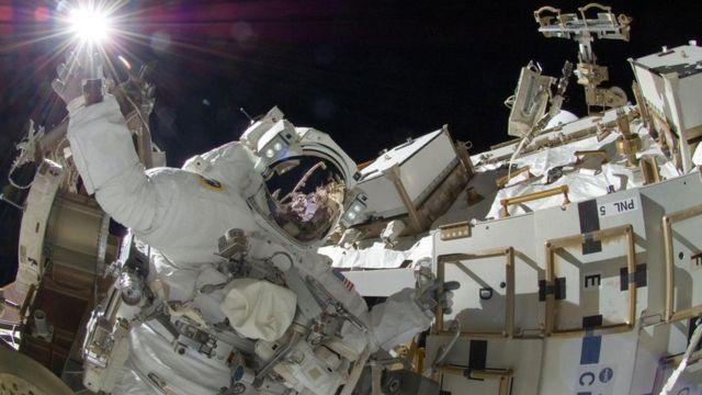 अंतरिक्ष यात्रियों को ब्रह्मांड में मौजूद रेडिएशन झेलना पड़ता है