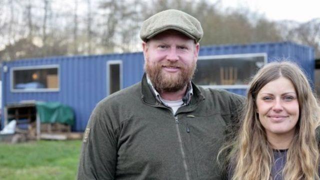 奧布裏和他34歲的妻子克萊爾