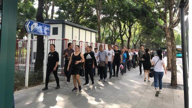 11月7日,300多名塵肺病工人與工亡工人家屬在深圳聚集