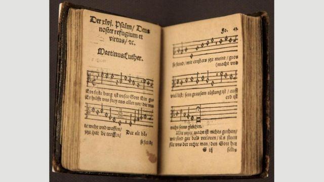 Un libro de música antiguo