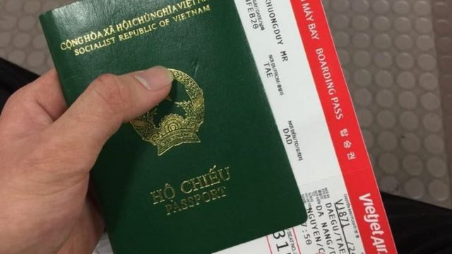 Khương Duy trên chuyến bay từ Daegu về Đà Nẵng sau khi Daehu bùng phát dịch