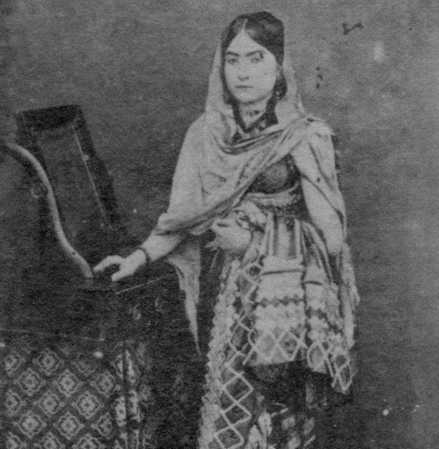 الن گرترود دانلی، همسر بریتانیایی مهدی حسن