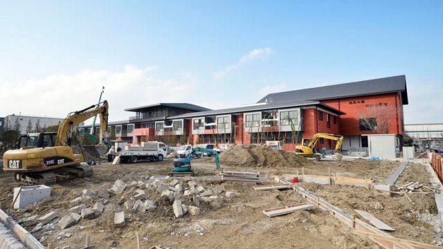 строительство школы в Осаке