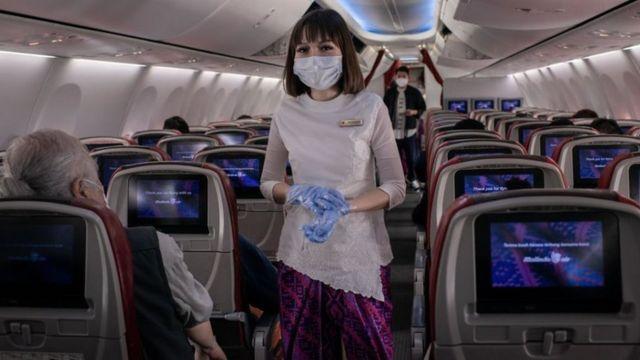 พนักงานต้อนรับบนเครื่องบิน