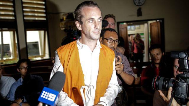Terdakwa David Taylor di persidangan pertamanya di Denpasar, Bali.